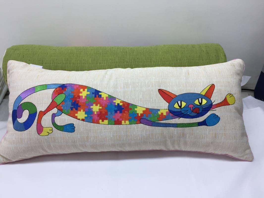 Эффектные декоративные подушки